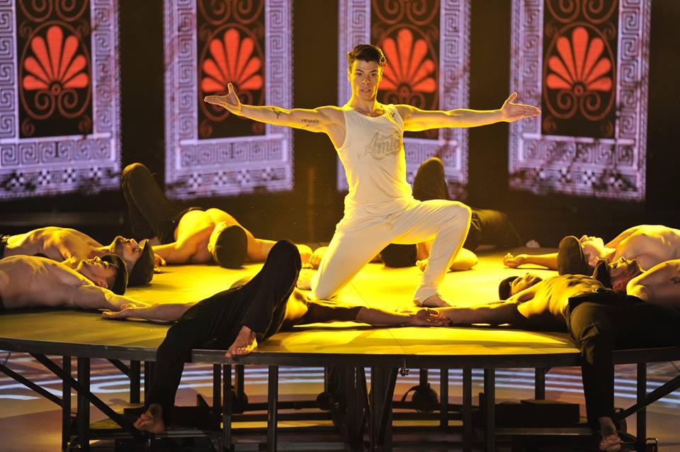 Amici il ballerino vincenzo forse nel mini mondo di - Gemelli diversi un altro ballo ...