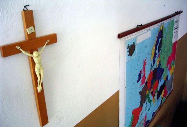 Crocifisso a scuola obbligatorio