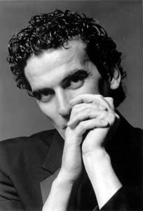 Massimo Troisi1