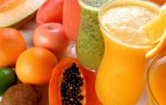 Dimagrire bevendo: ecco le fresche bevande dell'estate che aiutano a perdere peso