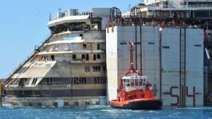 Costa Concordia ormeggio