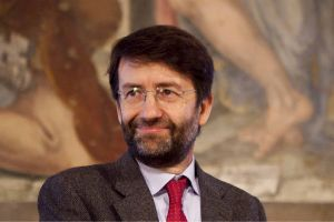 Dario Franceschini ministro beni culturali bando per artisti senza compenso