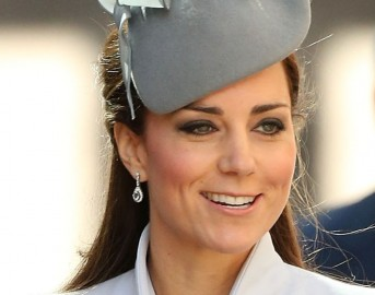 Pippa Middleton matrimonio: hula hoop e yoga per Kate e la sposa prima delle nozze ma è solo satira