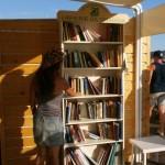 Librerie da spiaggia in Sardegna e Sicilia