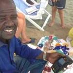 Mosè bancomat in spiaggia