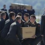 Olanda arrivate prime 40 salme del disastro aereo in Ucraina