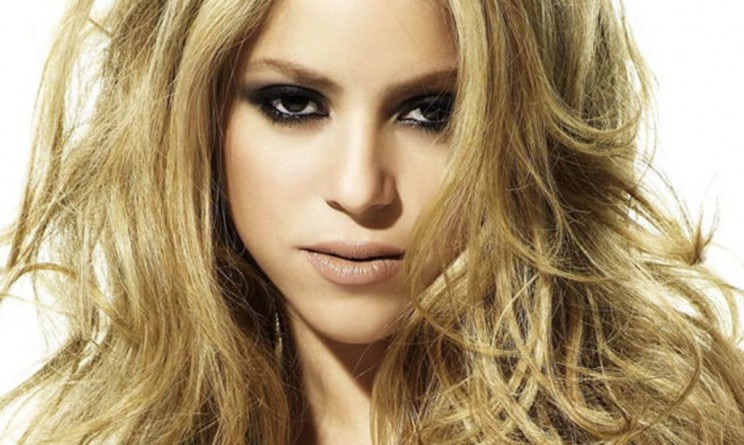 Shakira salute