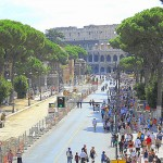 Uomo armato di coltello al Colosseo