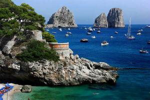 Roccobarocco lancia linea profumi per omaggiare Capri
