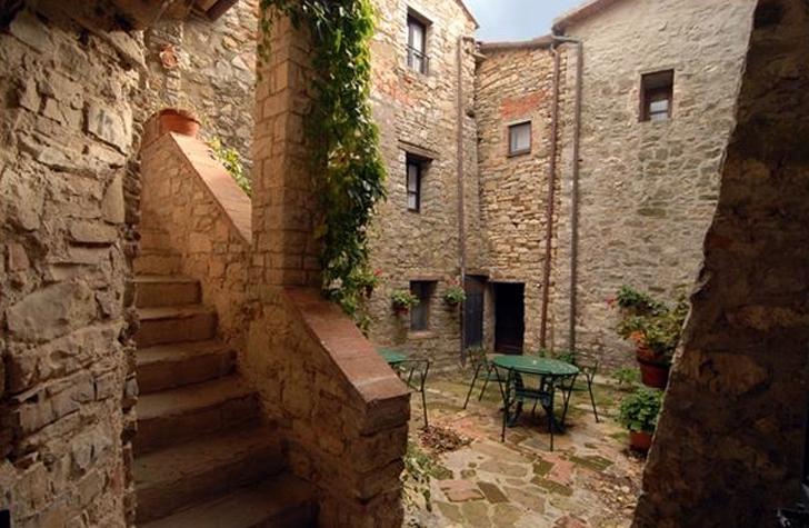 Ecco come comprare casa con un euro nei borghi pi belli d 39 italia urbanpost - Come comprare casa senza soldi da parte ...