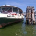 Venezia, motobattello contro pontile