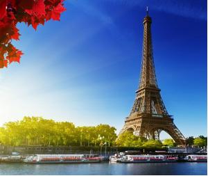 Magliette bucate, tendenza PE 2015 uomo vista a Parigi