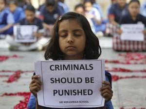 ennesimo infanticidio, India bimba di 8 anni stuprata e impiccata