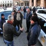 ragazzi napoletani picchiati tassisti grecia