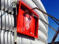 Athletic Bilbao vince