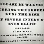 Proteste abitanto Forte dei Marmi per cartello minaccia morte ladri
