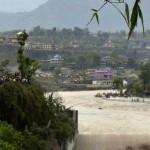 Frana in Nepal travolge villaggio