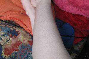 Il club delle donne pelose onne che amano i peli sulle gambe