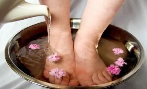 curare i piedi gonfi