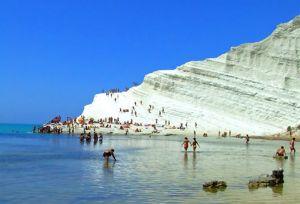 Scala dei Turchi tra le spiagge più belle della Sicilia