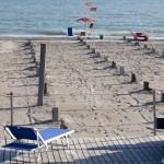 Spiagge vuote causa maltempo e crisi