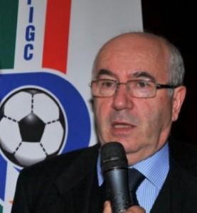 Carlo Tavecchi annuncia il nuovo allenatore della Nazionale di calcio