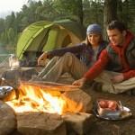tre oggetti indispensabili per il campeggio