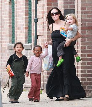 Angelina Jolie e figli