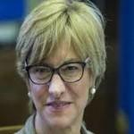 ministro difesa pinotti tre corpi senza vita
