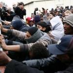 calais sgombero campo profughi scontri