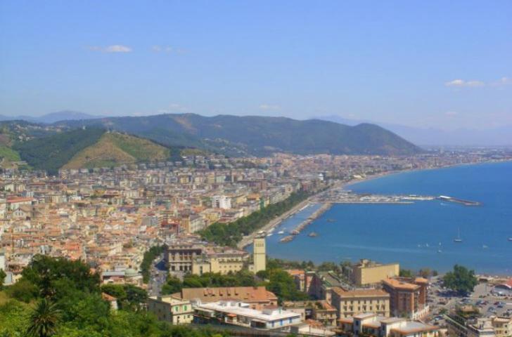 Salerno notizie: muoiono due anziani per un posto a sedere ...