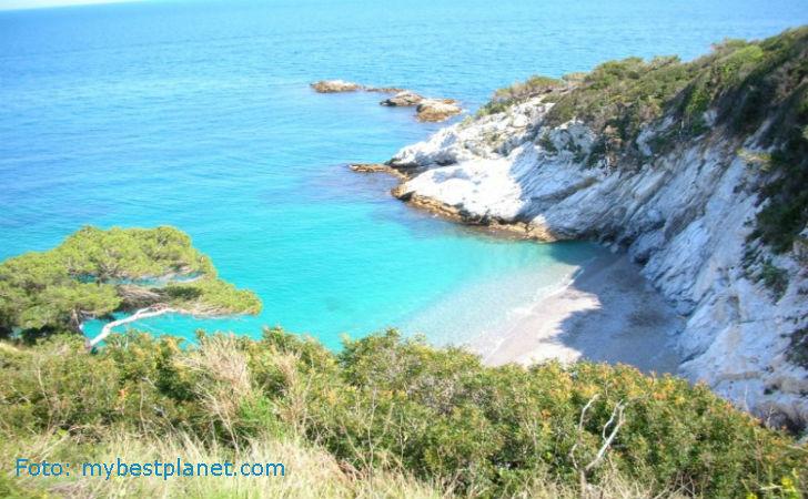 Matrimonio Spiaggia Bergeggi : Le spiagge più belle della liguria location