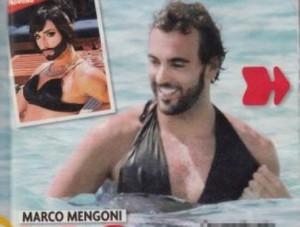 Marco Mengoni si spoglia a Formentera