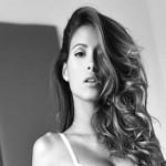 Mariana Rodriguez ruba la scena a Belen