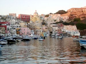 Procida isola in provincia di Napoli
