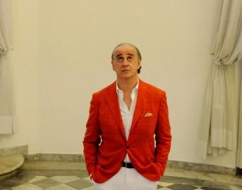 Loro Film di Sorrentino su Berlusconi: Toni Servillo è Il Cavaliere, l'annuncio