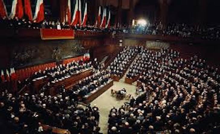 Elezione consulta parlamento giudici costituzionali e for Lavorare in parlamento