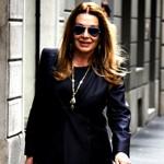Veronica Lario shopping di lusso a Milano