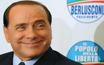 """Berlusconi: la torta """"Forza Italia"""" ad Arcore e nessun casting in corso"""