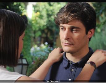 Lino Guanciale a teatro: l'attore più amato delle fiction Rai si mette alla prova con Itaca fra un set e l'altro
