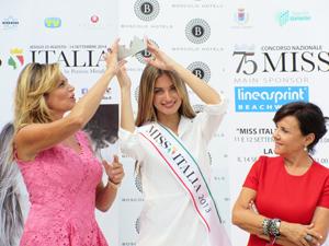 ventura ruba la corona a miss italia 2013