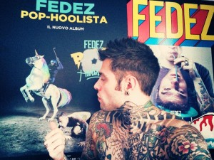 il nuovo album di Fedez è in cima alla classifica fimi