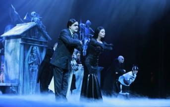 La famiglia Addams: ecco il musical con Elio e Geppi Cucciari (foto)