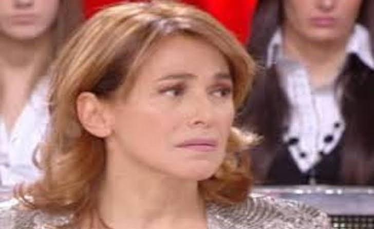Barbara D'Urso Piange a Pomeriggio 5 per tragedia Hotel