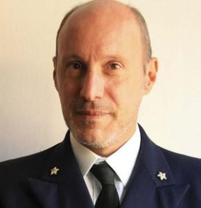 La campagna online per il comandante De Falco