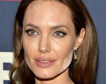 Angelina Jolie 2017: l'attrice pronta a sposarsi di nuovo, Brad Pitt ormai solo un ricordo