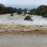 Genova 70 feretri dispersi nella piena del fiume