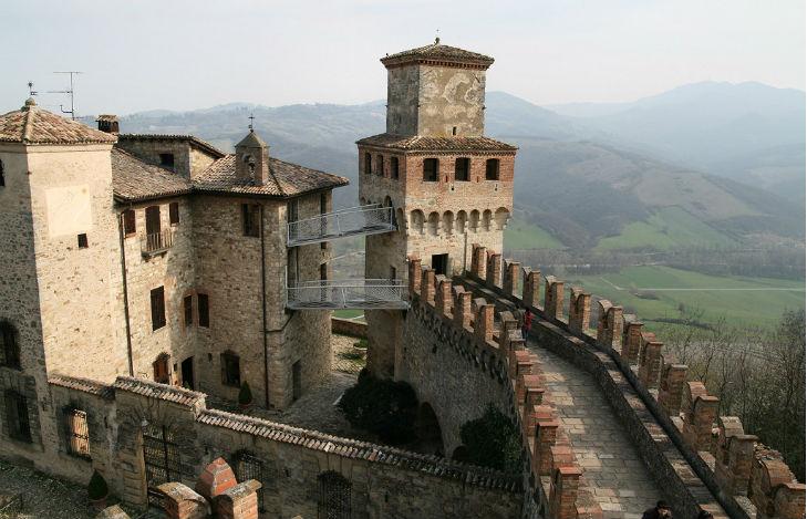Castello Vigoleno Piacenza viaggi low cost Capodanno 2015