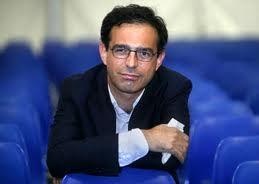 Vito Mancuso tra fil scrittori del forum Monzani per presentare il suo libro Io Amo