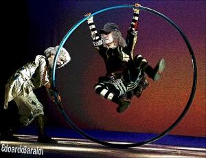 M5s: Grillo e Casaleggio formalizzano il cerchio magico per riorganizzare il M5s.